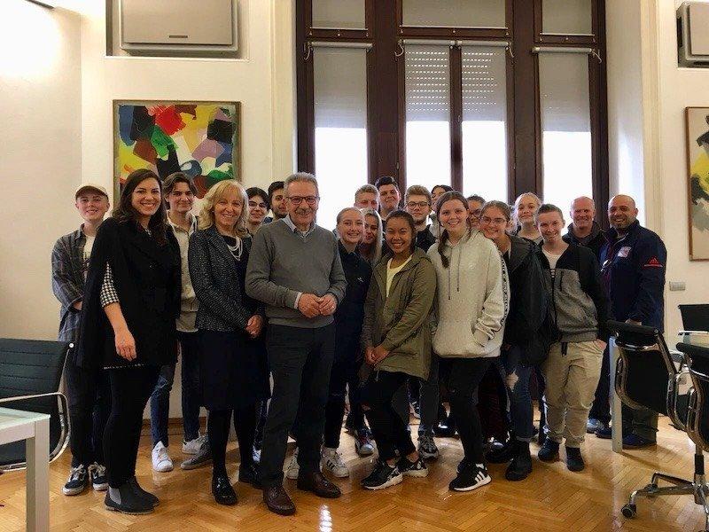 Liceo Tirinnanzi e Mackillop College dal sindaco di Legnano