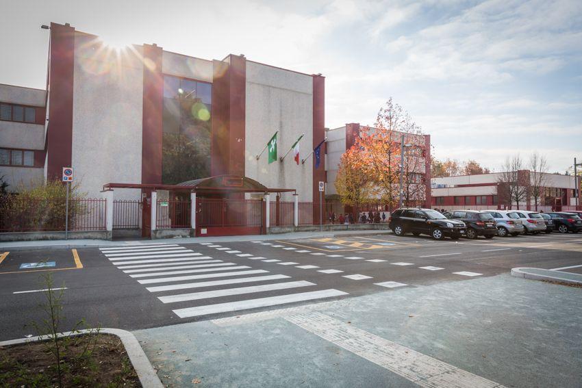 Scuole Tirinnanzi Legnano Primaria Secondaria Liceo Scientifico