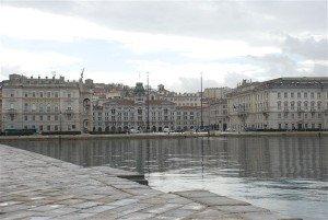 Trieste vista dal molo San Carlo